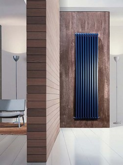moderni radiatorji, vertikalni radiator, barvni radiator, modri radiator