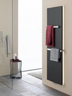 Ploché kúpeľňové radiátory, vertikálne kúpeľňové radiátory, radiátor s LED, antracitové radiátory